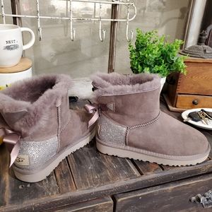 Ugg special bling in Taupe